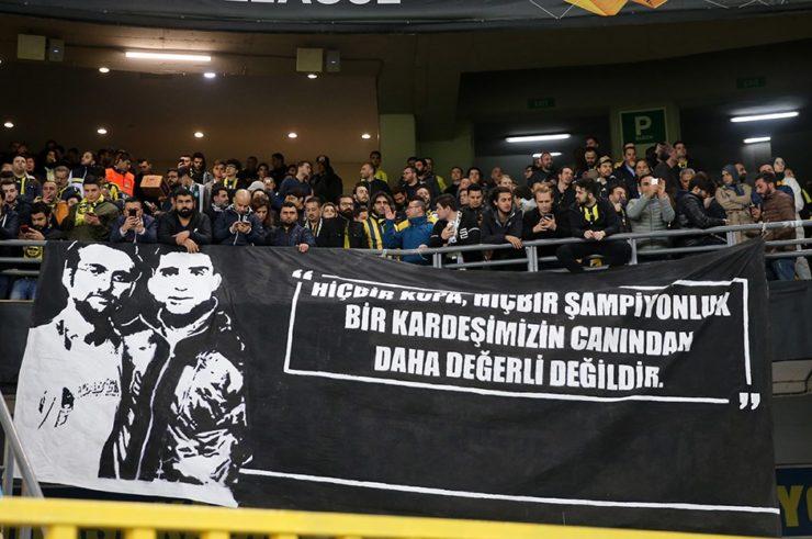 Fenerbahçeli taraftarlar Koray Şener'i unutmadı