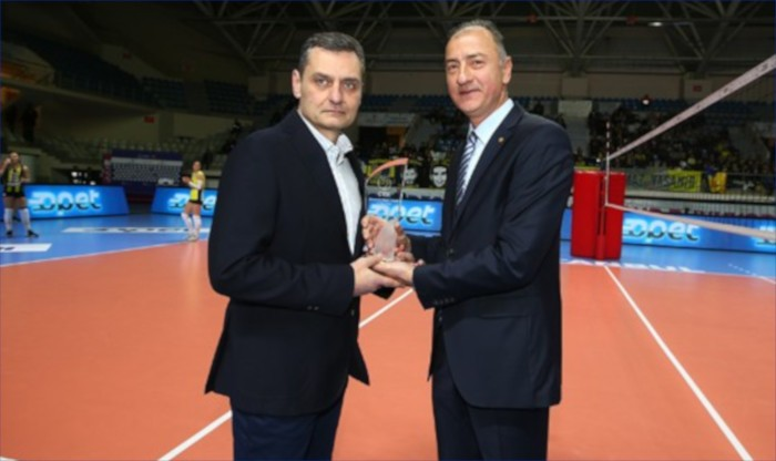 Zoran Terzic ödülünü aldı